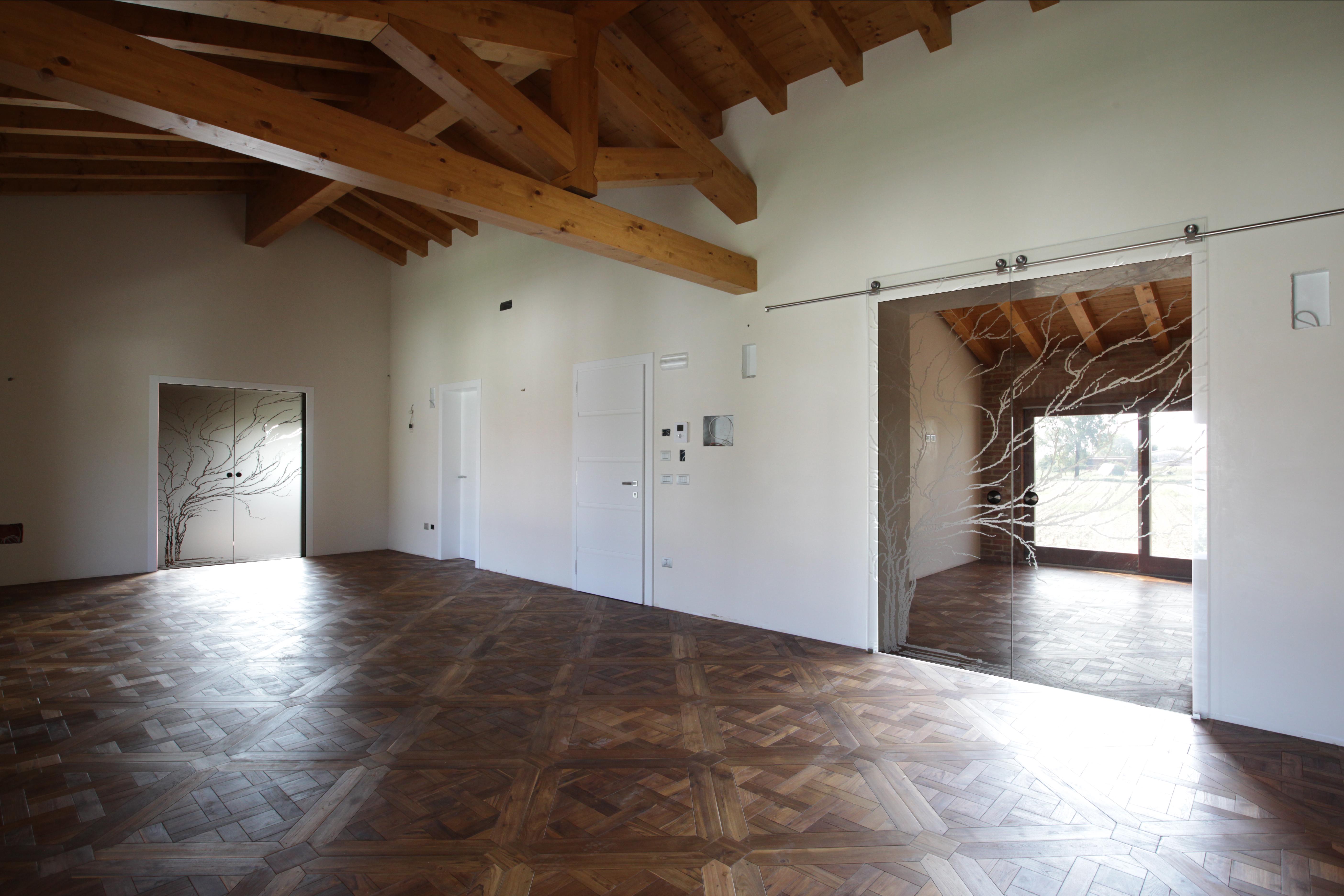 Porte a Vetro, portoncino in legno